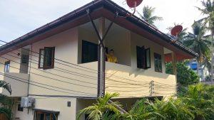 Ons balkon aan de achterkant van het huis