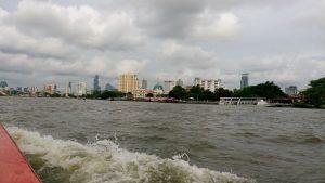 Bangkok vanaf de rivier.